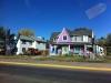 Une maison tout en couleurs.